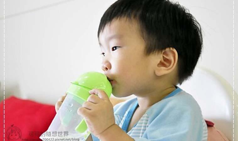 【育兒妙招】一招開竅!學會『用吸管喝水』的小撇步~