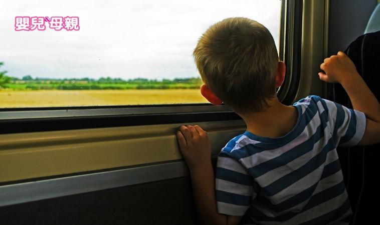 別忘了孩子在車上!家長養成4個好習慣防悲劇