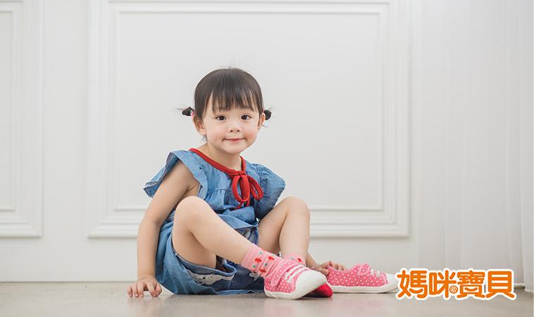 訓練0~3歲寶寶生活自理能力