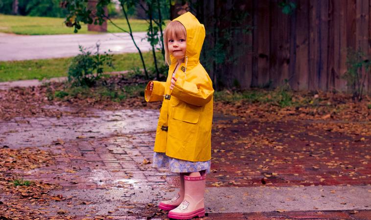 兒童雨衣含有塑化劑?!5招教爸媽如何挑