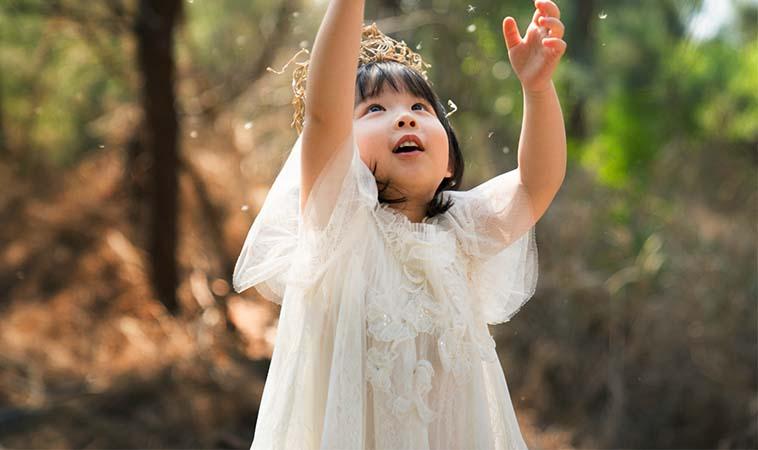 理解與尊重孩子成為他自己,也是把過去受傷的自己愛回來