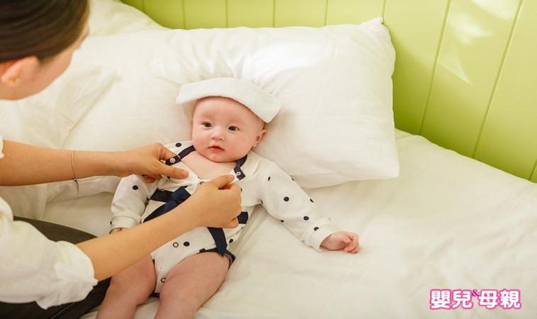 超實用!跟兒科醫師學0~1歲寶寶生病的12種急救技巧