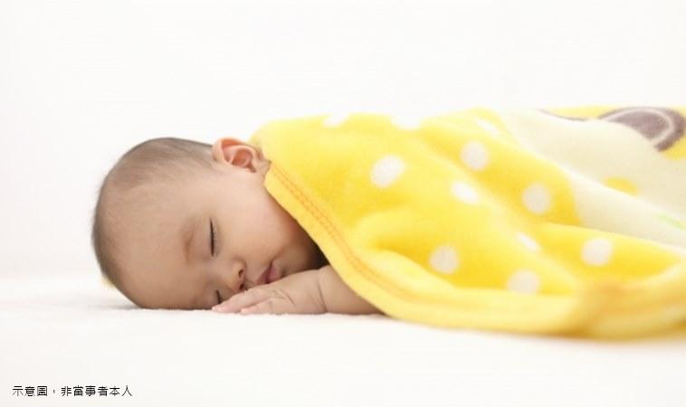 又傳嫩嬰疑似趴睡窒息!天冷寶寶這樣睡才安心