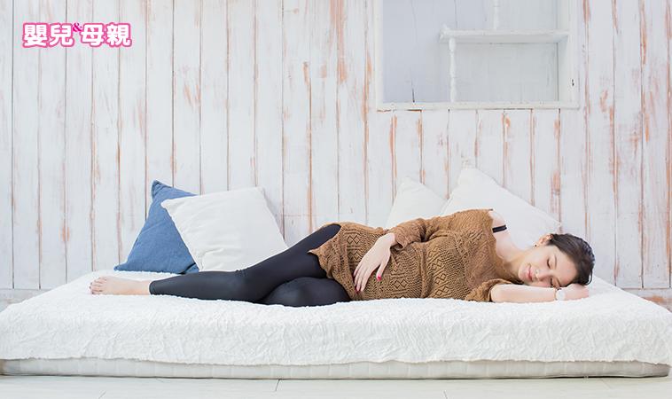 10祕訣搞定孕期睡眠所有困擾!心理×生理×疾病×環境×運動×睡姿×工具×食物×藥物一次拆解