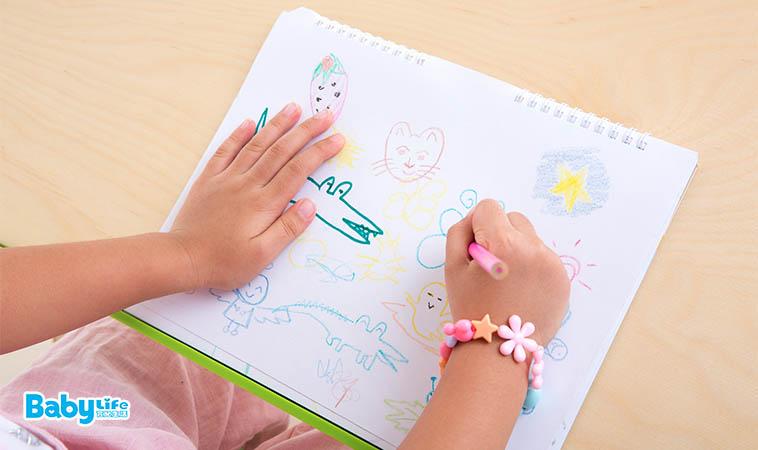 畫畫、看書、勞作…孩子需要專屬的桌椅嗎?