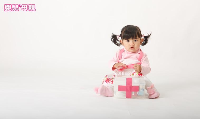 寶寶發高燒一定要用肛門栓劑?急診科醫師:出現「這情況」才需要用!