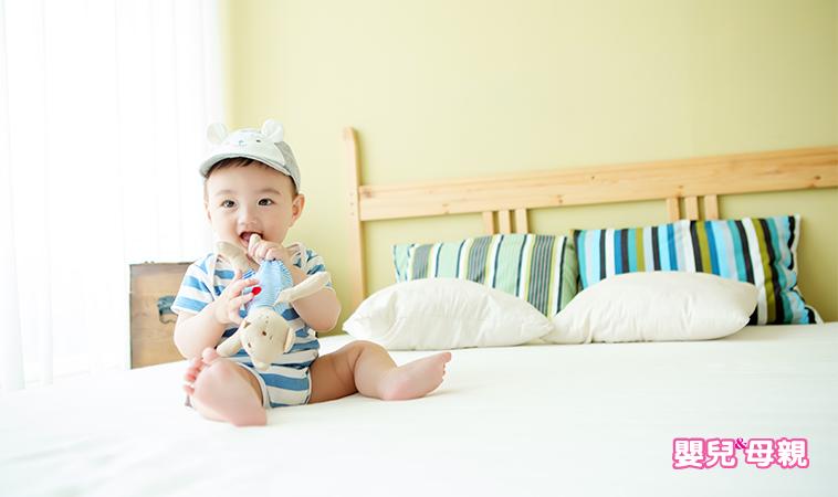 長牙‧厭奶‧睡眠顛倒 0~1歲寶寶成長3關卡,闖關攻略!