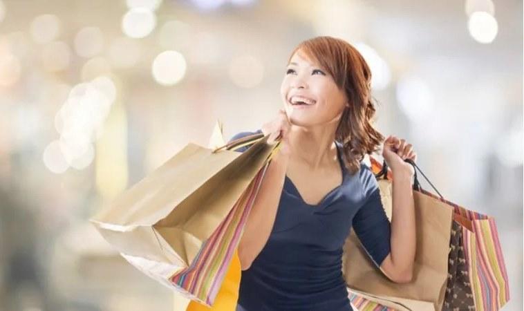 購物狂竟然跟「缺愛」有關係!從購物習慣看情感、金錢觀與親子關係