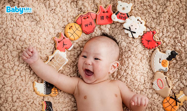 非自主、無意識,5種常見新生兒反射動作