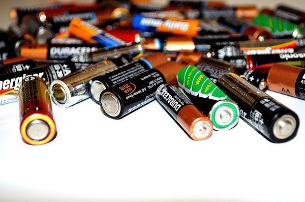 水銀電池亦是嬰幼兒最容易誤食、引發中毒的物品