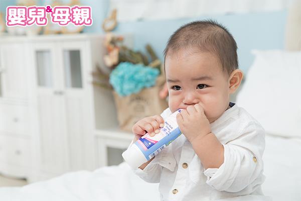 滿足口慾對未來發展很重要 寶寶口腔期照護3不6要