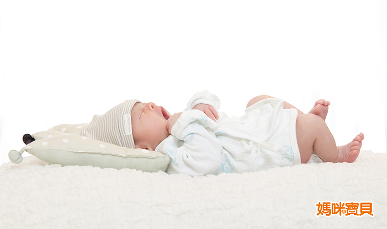 Baby報到!新生寶寶的臍帶&舌繫帶問題