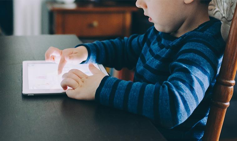 雙親減少臥室內裝置電子設備,會減少對兒童的傷害