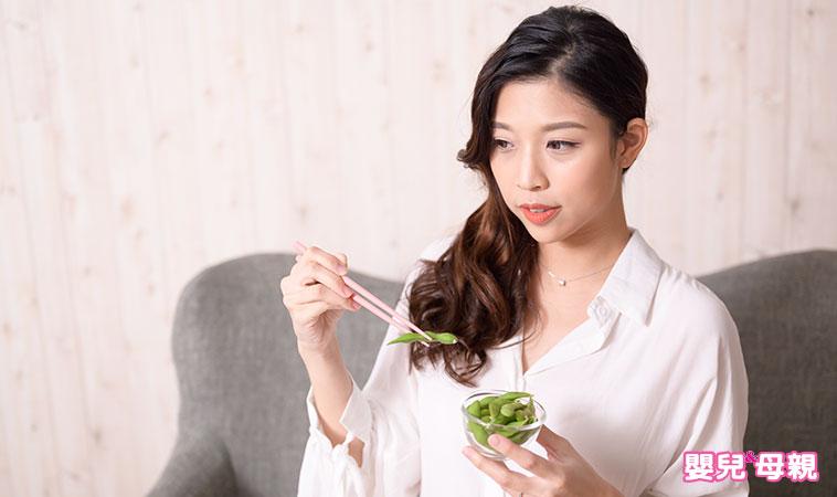 貧血就是要補鐵?營養師教你孕期產後這樣吃!