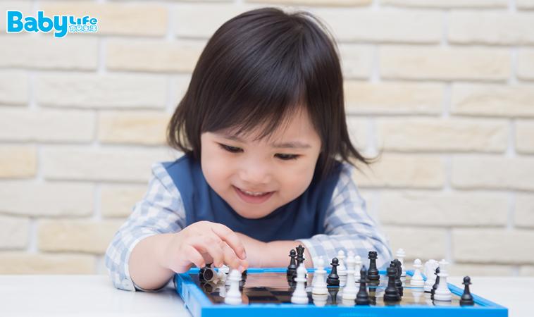 最新研究:過多的玩具恐抑制孩子的創造力