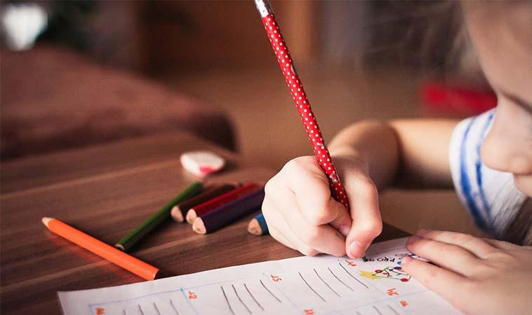 小朋友寫反字?三大方向引導正確寫字