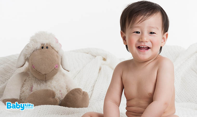 一下吐奶,一下沾食物…寶寶衣物「清潔+去漬」5 TIPS