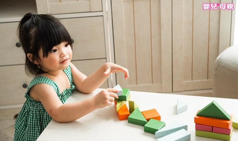 當個優雅媽媽!5技巧讓孩子自動自發收玩具
