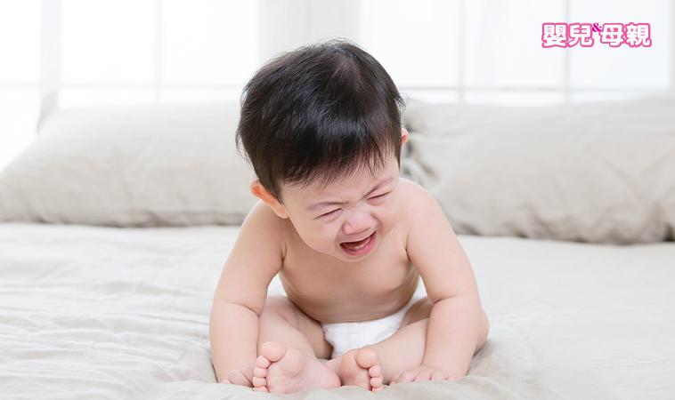 寶寶半夜哭鬧,爸媽真苦惱!