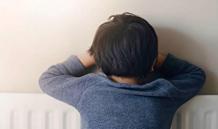 為什麼孩子老是愛用頭撞牆?4大原因告訴你