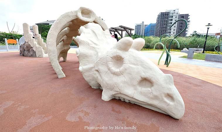 恐龍主題公園,化石造型超逼真
