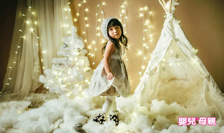 聖誕節寶寶拍攝4祕訣~裝扮×場景×燈光×引逗,萌娃就是你!