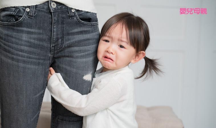 擔心寶貝被孤立?3技巧教害羞怕生的孩子克服社交恐懼!