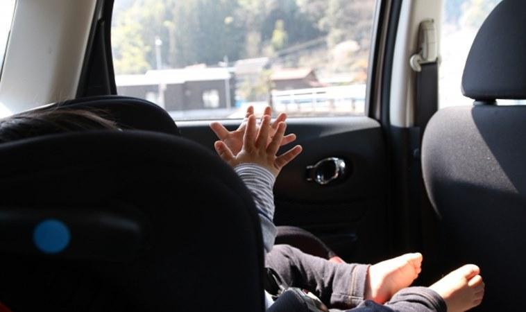 粗心媽誤將1歲嬰反鎖車內!下車前應養成5個好習慣