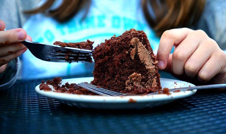 你相信嗎?吃巧克力不僅能減肥,還能越吃越年輕!