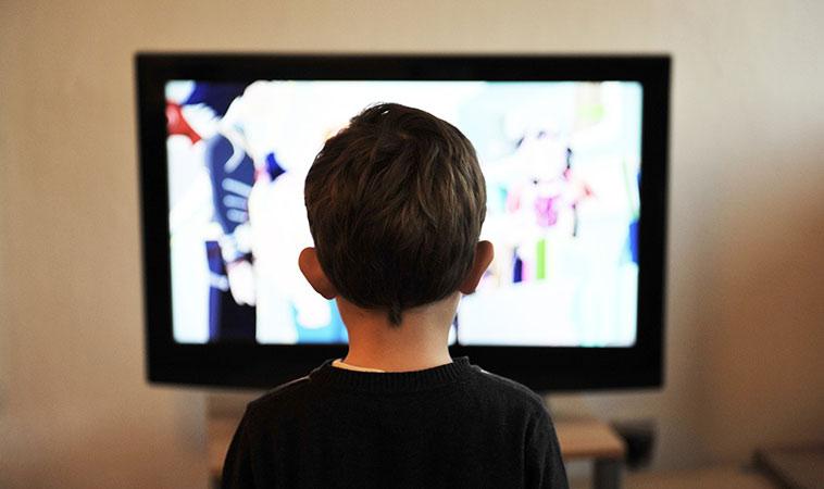 嬰兒可以看電視嗎?