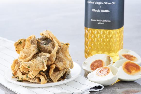 Healthy Snacks Malaysia - Black Truffle Salted Egg Fish Skin