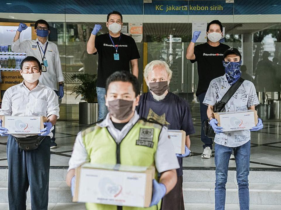 Bank Mandiri Salurkan Bantuan Sosial Kepada Kpm Terdampak Covid 19 Penyaluran Bansos S D April 2020 Capai Rp 1 83 Triliun Bumn Untuk Indonesia
