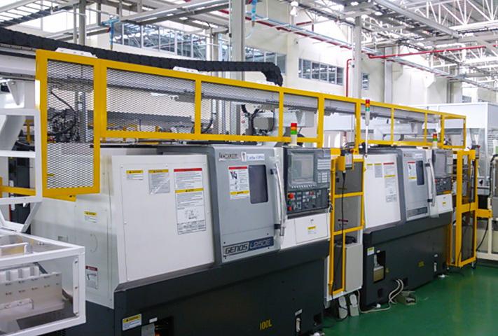 自動化設備・装置『工程連結ガントリーローダー』導入事例