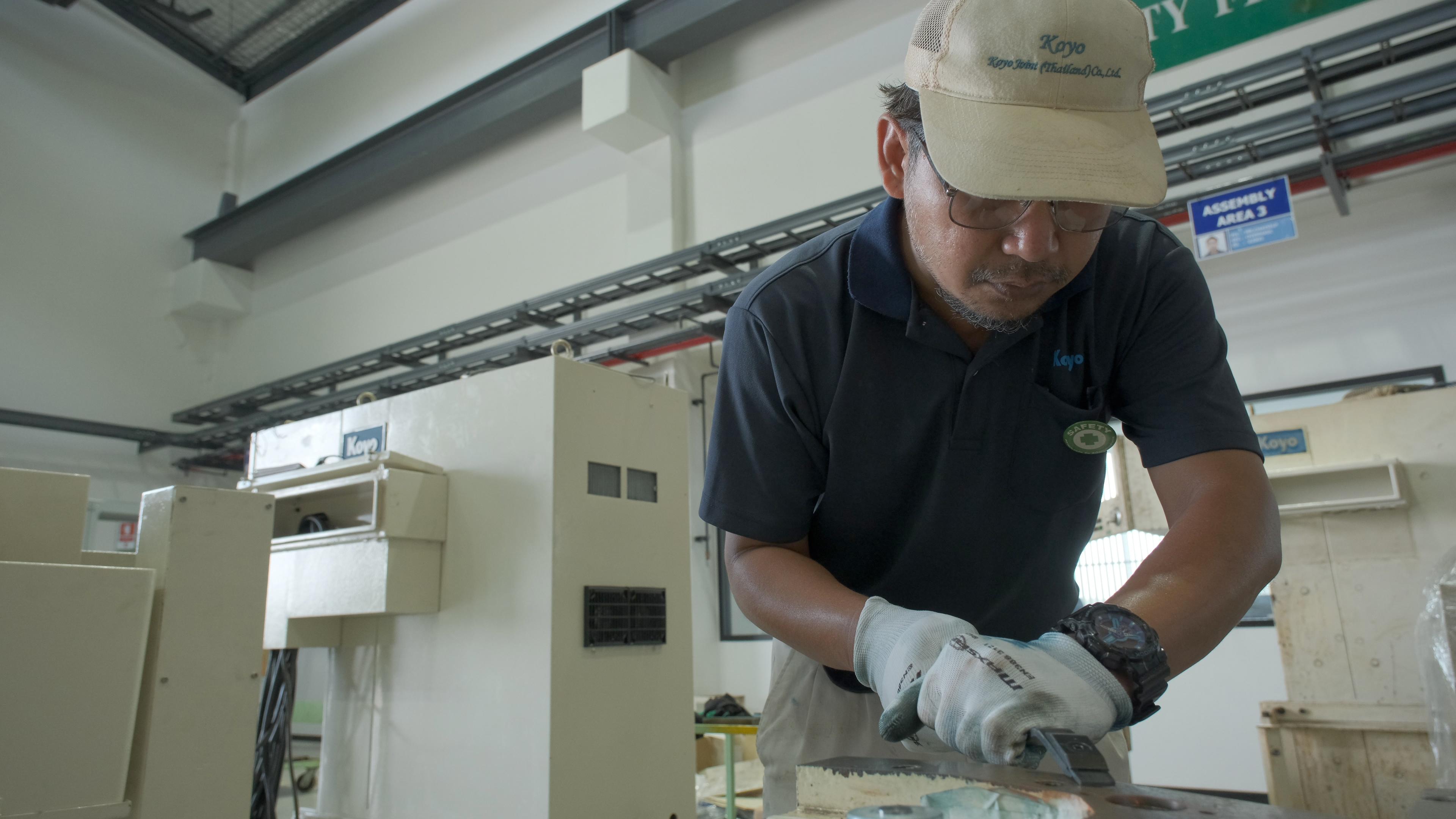光洋が研削盤の状態や使用目的に沿って提案する4つのオーバーホール(修理・改造~レトロフィット)
