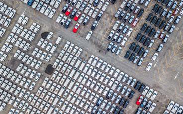 ยอดผลิตรถยนต์ในไทยเดือนเมษายนพุ่งสูงขึ้น  ขยาย 12% (135,000 คัน)  คาดจำนวนผลิตแตะ 2 ล้านคัน ทุบสถิติในรอบ 5 ปี