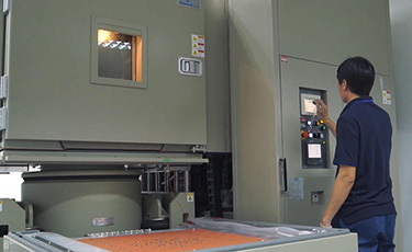 カスタマイズ可能な振動試験機と受託試験サービスでタイの研究開発をサポート !