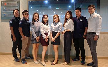 จัดตั้งฝ่าย CS (ฝ่ายบริการลูกค้า) เพื่อสร้างความพึงพอใจกับให้ลูกค้าและสนับสนุนการผลิตในภูมิภาคอาเซียน อาทิ การจัดทำระบบการผลิตอัตโนมัติ ฯลฯ   โดยเลือกประเทศไทยเป็นศูนย์กลางในการจัดตั้ง ! (บทความแรก)