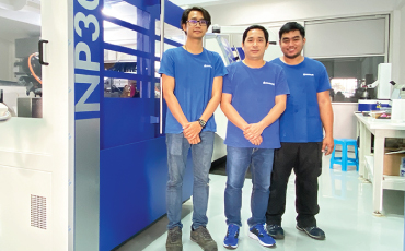 Our Thai technical team, who knows everything about ROLLOMATIC (CNC tool grinding machine), will strongly supports our customers! 【YKT × NanoGrind】