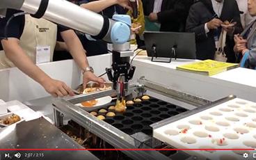 หุ่นยนต์ทำทาโกยากิตัวแรกของโลก! ปรากฏตัวที่ญี่ปุ่น!