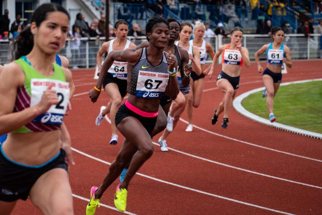 Digital commerce experiences Competitive benefits image - athletics race