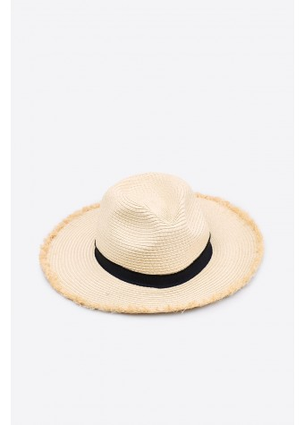 ac8ff36fa 5 Chic Summer Hat's For Every Kind Of Traveller - Mashion