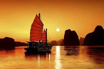 Chưa tới 2 triệu để trải nghiệm đêm Hạ Long trên tàu Golden Lotus Classic Cruise