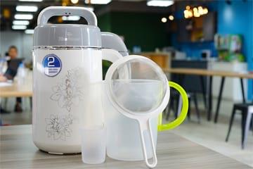 Máy Làm Sữa Đậu Nành BLUESTONE SMB-7328 - 1.2L - Lựa chọn tốt nhất cho mùa hè