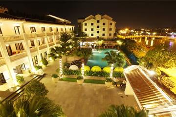 Du lịch Hội An cổ kính ở khách sạn Thanh Bình Riverside hiện đại