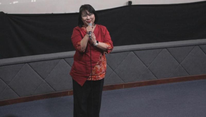 Ellies Sutrisna dalam acara Penumbuhan Minat Kewirausahaan Pemuda, Kementerian Pemuda dan Olahraga, Gelora, Jakarta, pada Selasa, (10/7/18). Foto: (doc/MNEWS)