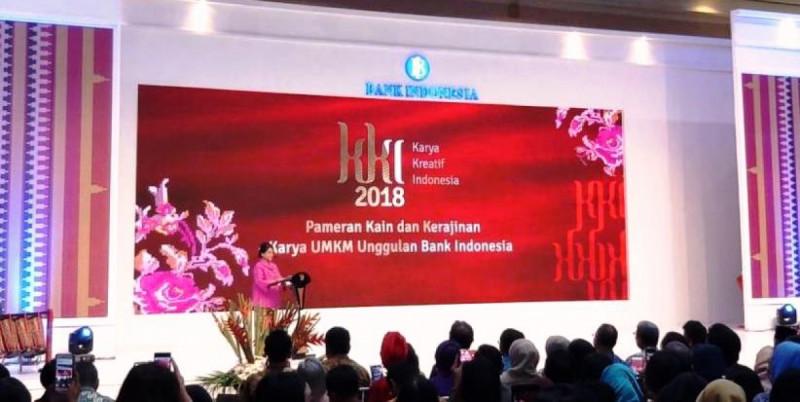 Iriana Jokowi membuka Pameran Karya Kreatif Indonesia 2018. Foto: google.com