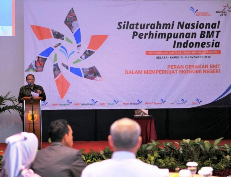 Menkop Puspayoga pada acara pembukaan Silaturahmi Nasional Perhimpunan BMT Indonesia Tahun 2018 di Jakarta, Selasa (6/11/18). Foto: (doc/KemenkopUKM)