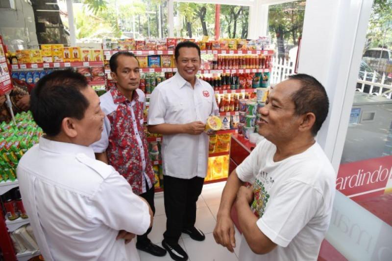 Ketua DPR RI Bambang Soesatyo saat hadir meresmikan ARDINDO MART di Kebayoran Baru.Jakarta. Foto: Oji/rni