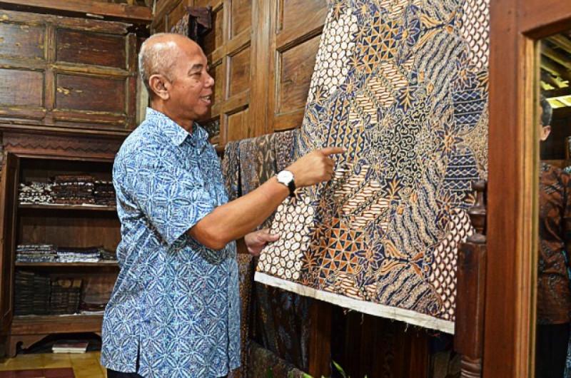 """Wakil Ketua Komisi XI DPR RI M. Prakosa saat Kunspek Komisi XI DPR RI ke """"Batik Sungsang"""" di Yogyakarta, Jumat (30/11/18). Foto: Mastur/Man."""