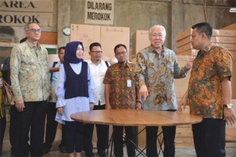 Mendag Kunjungi Pabrik Rotan di Sukoharjo, Jawa Tengah. Foto: Kemendag.